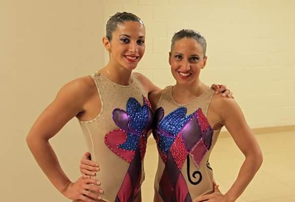 Ana Fernández y Lucina Simón, las marplatenses en el equipo nacional de nado sincronizado. (Foto: Facebook)