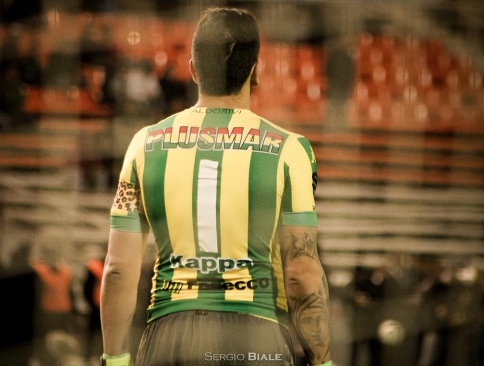 El uno en la espalda de Campodónico. (Foto: Sergio Biale)