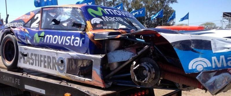 Así quedó el auto de Ledesma después del golpe.