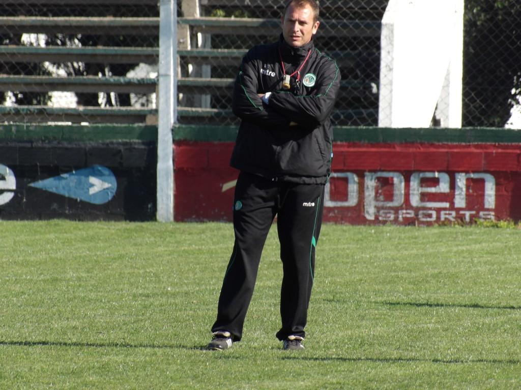 Mariano Mignini plantea el partido del domingo.