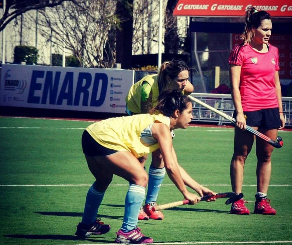 Victoria Zuloaga entrenando con Rocío Sánchez Moccia y Noel Barrionuevo.