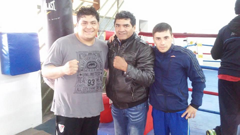 """Luis Calderón y Oscar Quiroga junto con el """"Roña"""" Castro durante los entrenamientos."""