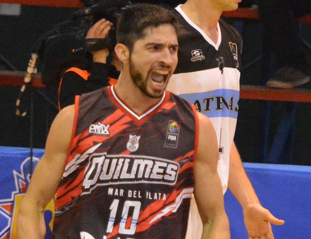 Luis Cequeira fue el motor del equipo con una gran actuación. (FOTO: MARCELO FIGUERAS FIBAAMERICAS)