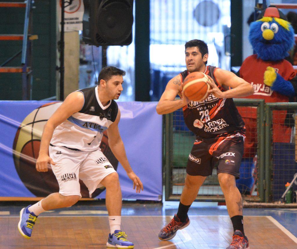 Enzo Ruiz está teniendo un buen torneo en Santiago de Chile.  (FOTOS MARCELO FIGUERAS FIBAAMERICAS)