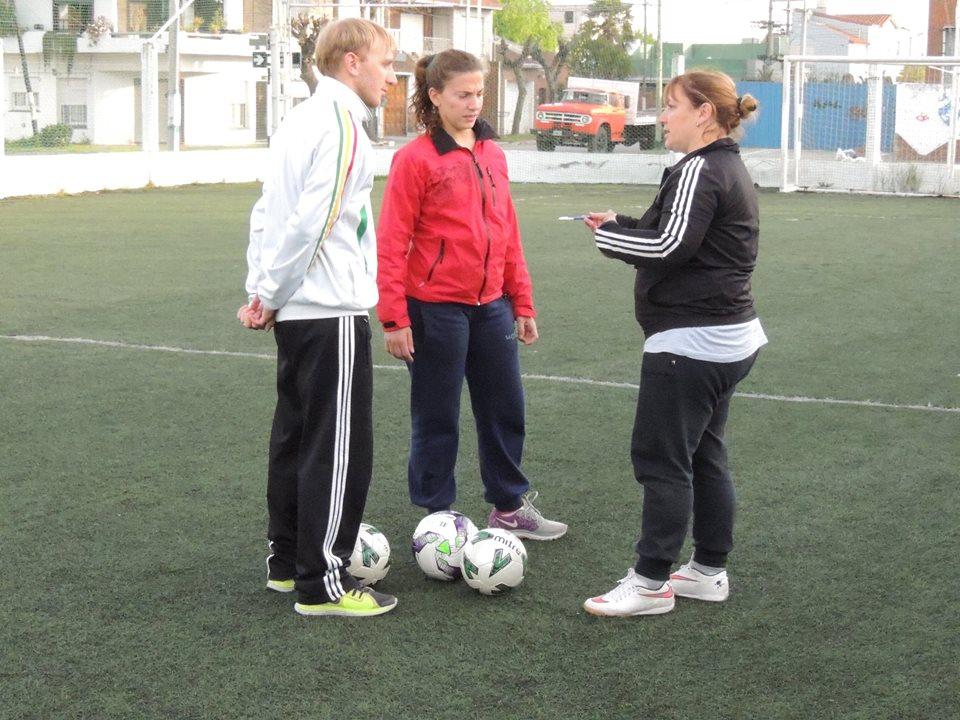 El fútbol femenino es otra de las actividades de Alvarado.