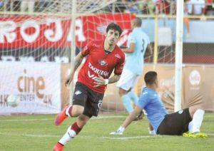 Imanol Iriberri festejando uno de sus goles en Wilstermann.