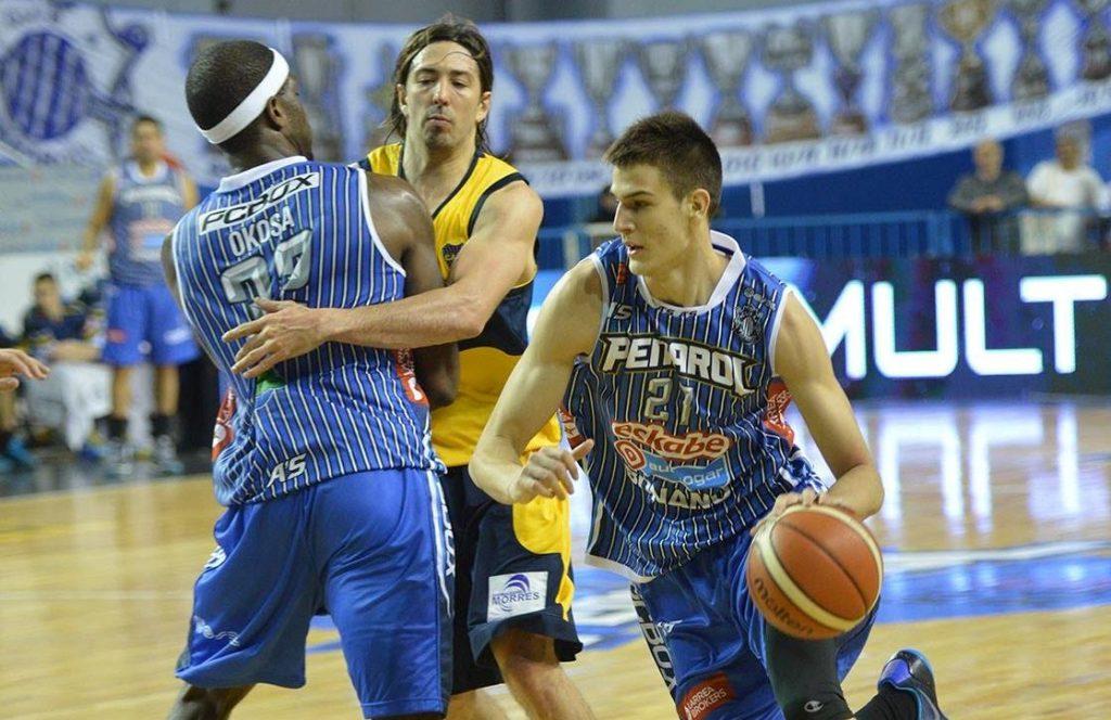 Nicolás Brussino tuvo un muy buen partido en Peñarol. (Foto: www.infoliga.com.ar)