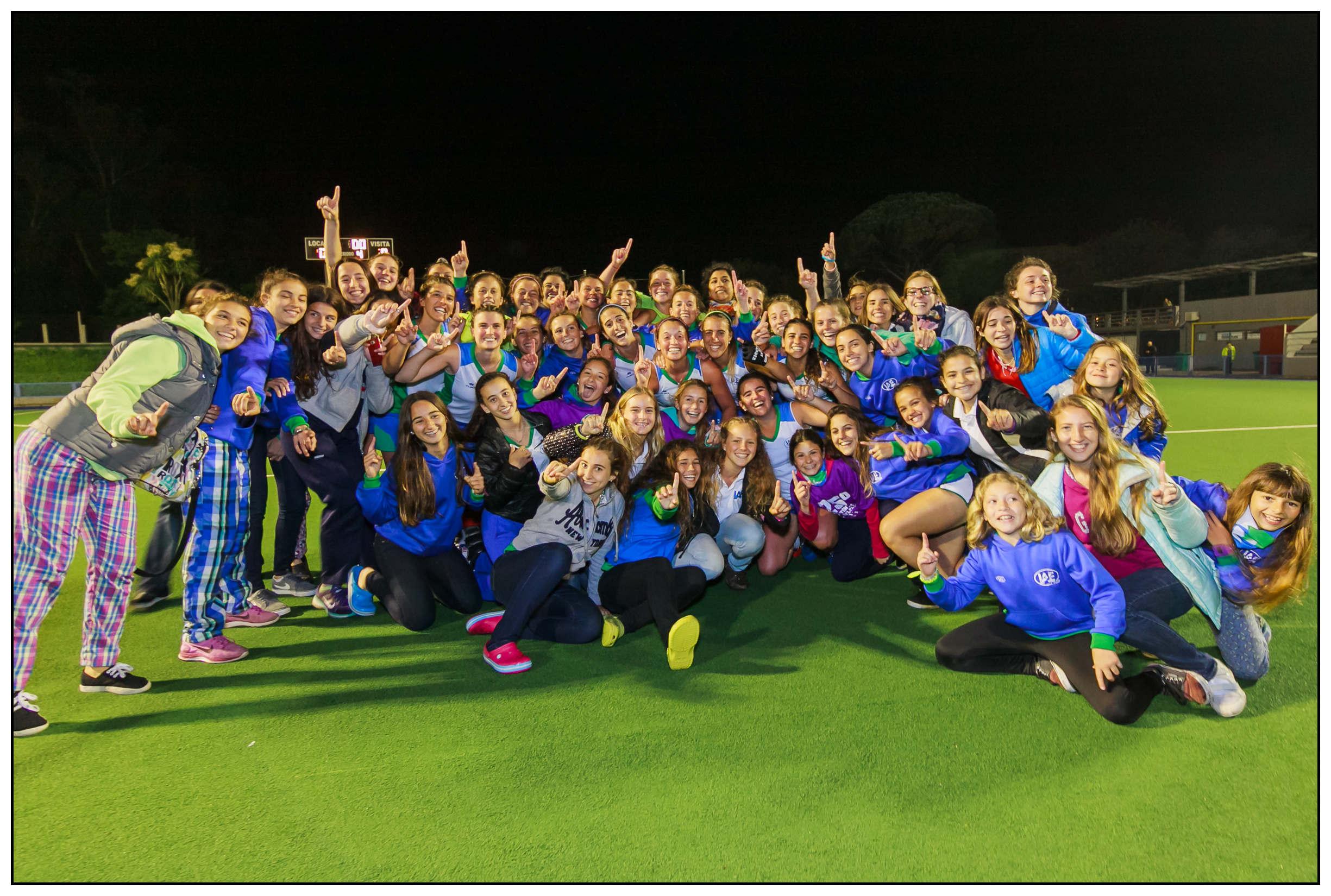 """IAE Club celebra su obtención de la Copa """"Ciudad Panamericana"""" (Foto: Diego Landi)"""
