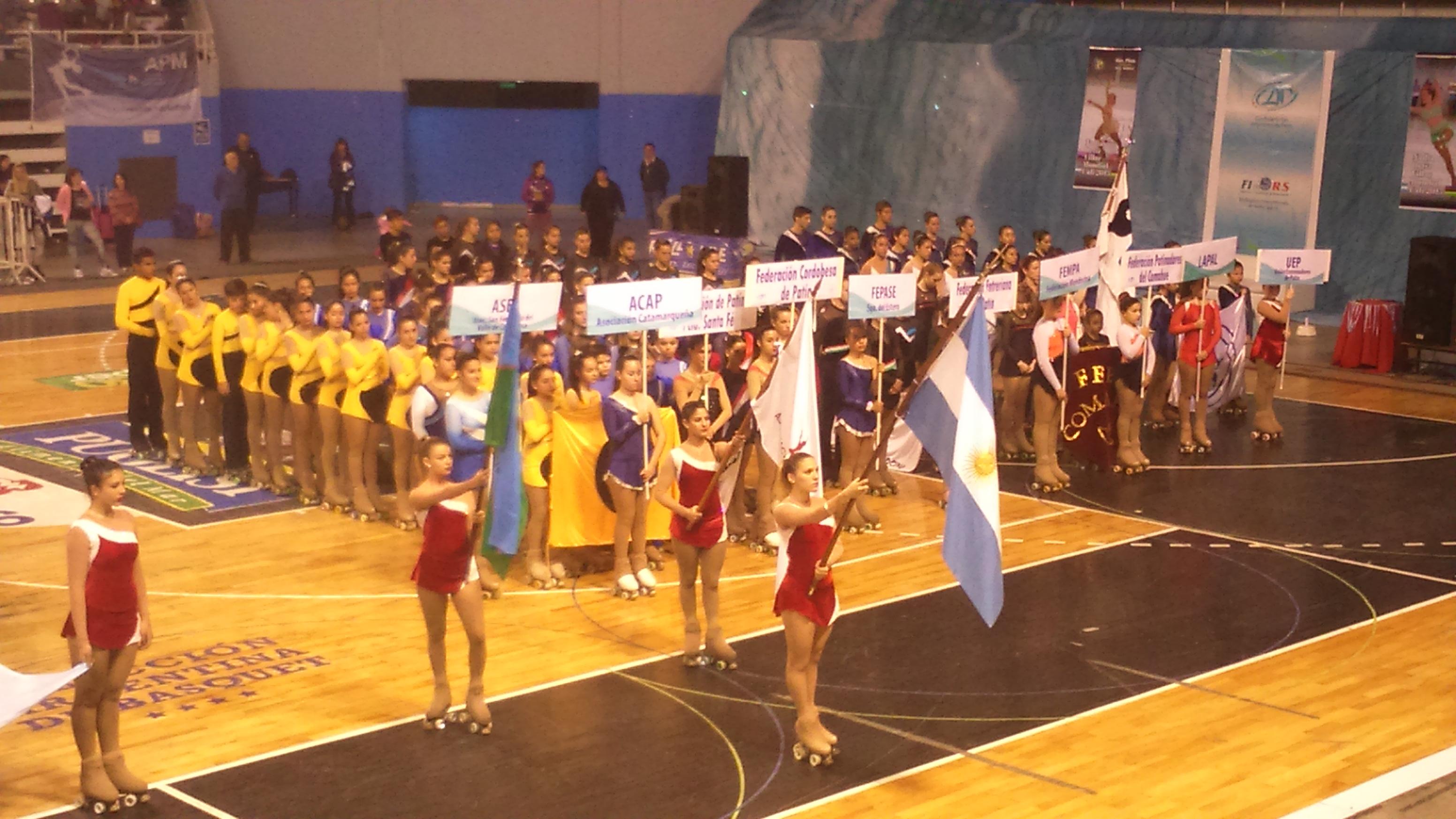 El momento de la ceremonia inaugural con el desfile de delegaciones.
