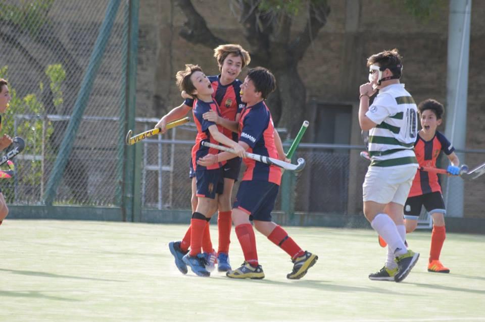 Tadeo Césari celebra el gol de la séptima. (Foto: Roxana Galbiatti)