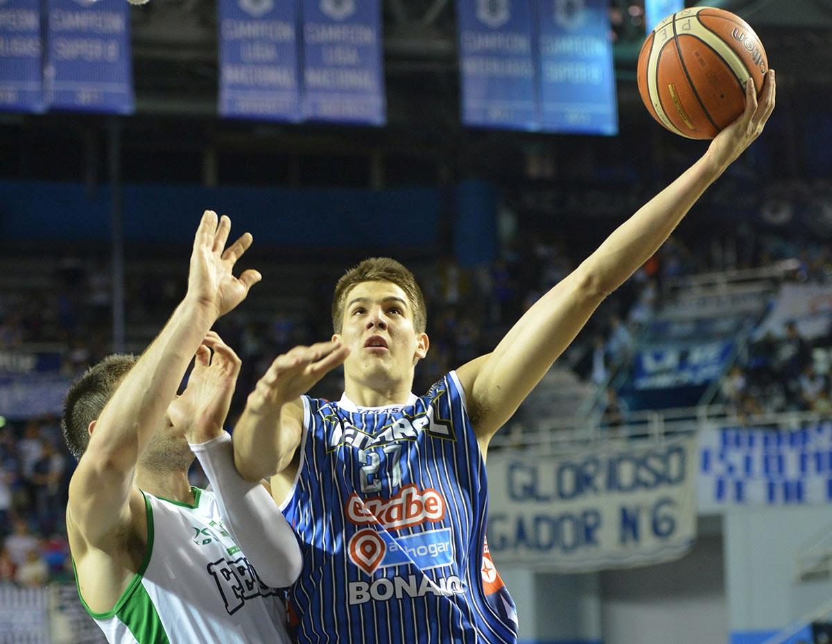 Nicolás Brussino fue la gran figura de la noche. (Foto: Infoliga.com.ar)