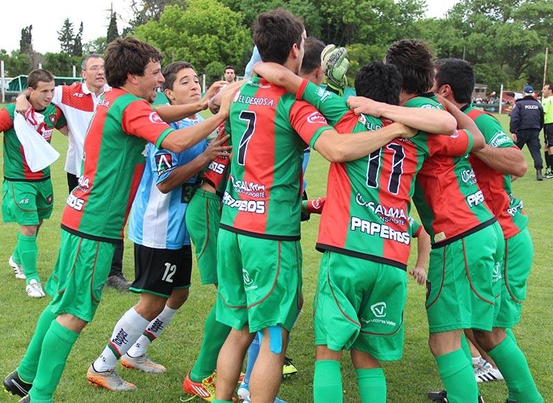 Círculo Deportivo celebra su triunfo en semifinales.