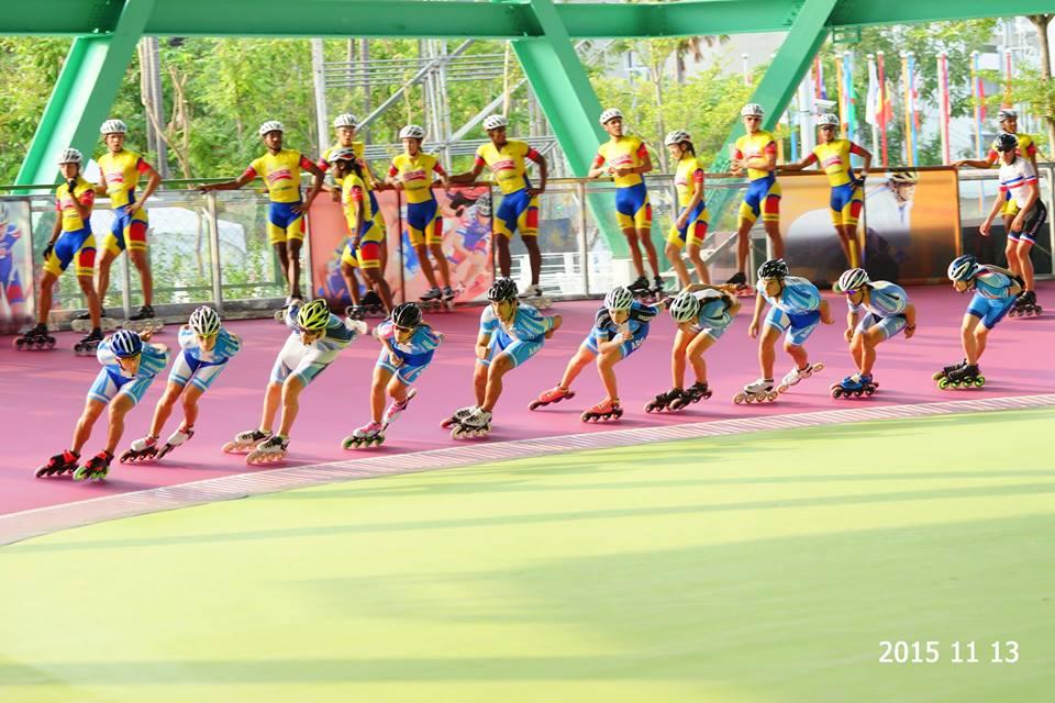 El equipo argentino girando el Patinódromo de Kaohsiung