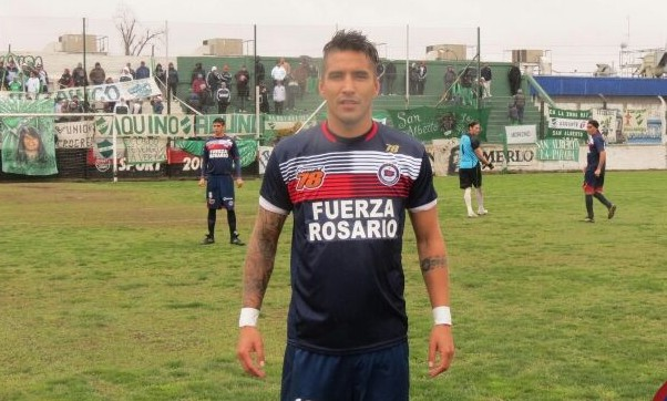 "Jonathan La Rosa, delantero que se suma al ""Torito""."