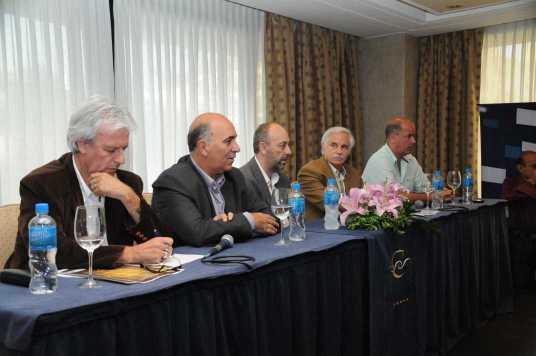 La mesa con la cuál se anunciaron las ternas de los premios Lobo de Mar. (Foto: Daniel Rivero)