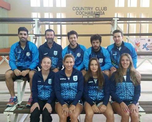 EQUIPO. Los integrantes de la Selección Argentina de squash para el Sudamericano. (Foto: Facebook)