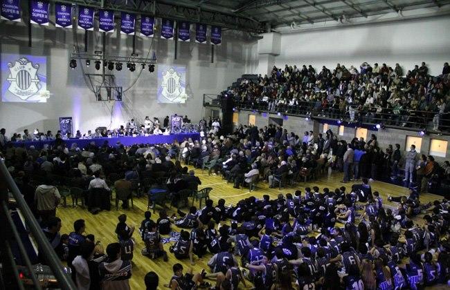 """El Estadio """"Domingo Robles"""" colmado, como se verá con las 24 horas del básquet."""