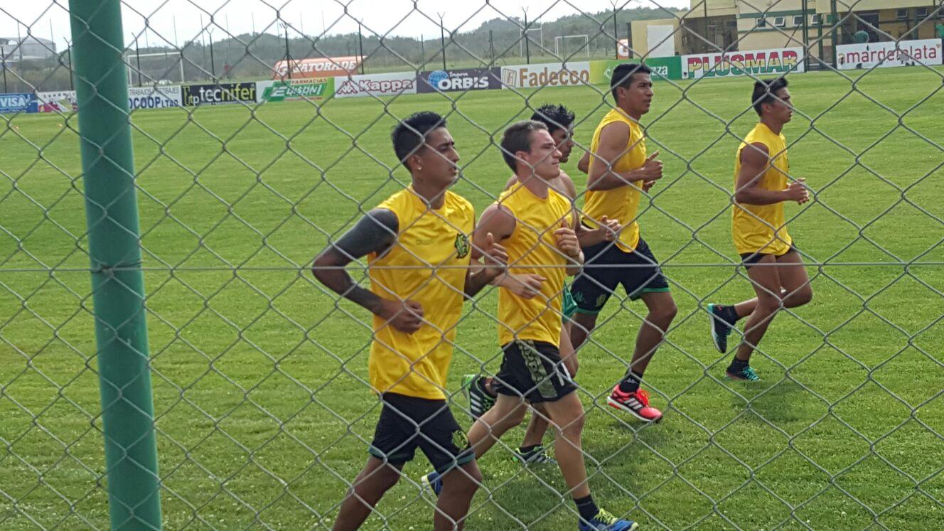 Aldosivi comenzó esta mañana los entrenamientos.