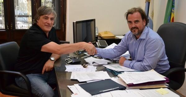 Emiliano Giri junto con Darío Donadío, el marplatense que representa al Real Madrid en Argentina.