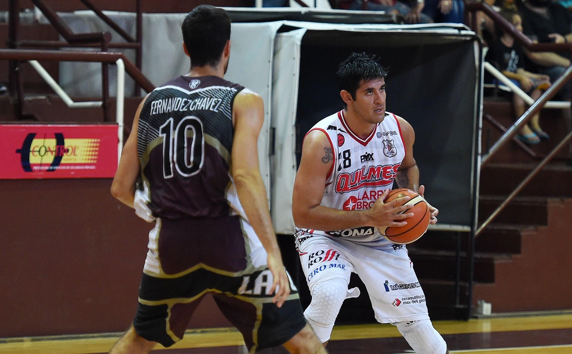Enzo Ruiz con 4 de 8 triples hizo un buen aporte en Quilmes. (Foto: LNB.com.ar)