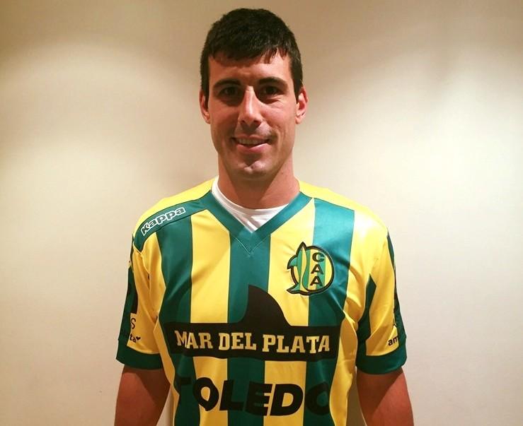 Sebastián Penco ya luce la camiseta de Aldosivi. (Foto: Facebook Aldosivi)
