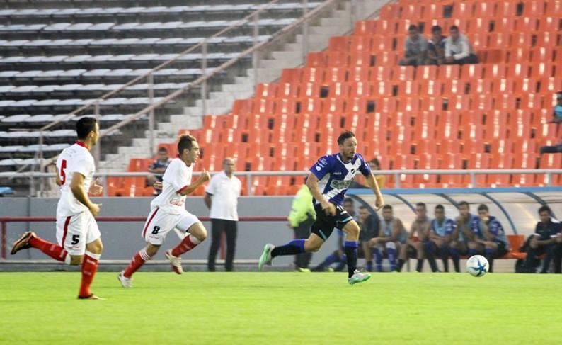 Nahuel Santos tiene un desgarro. (Foto: Florencia Arroyos)