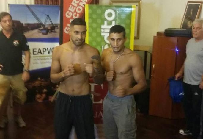 César Reynoso y Juan Juárez en el pesaje de esta tarde.