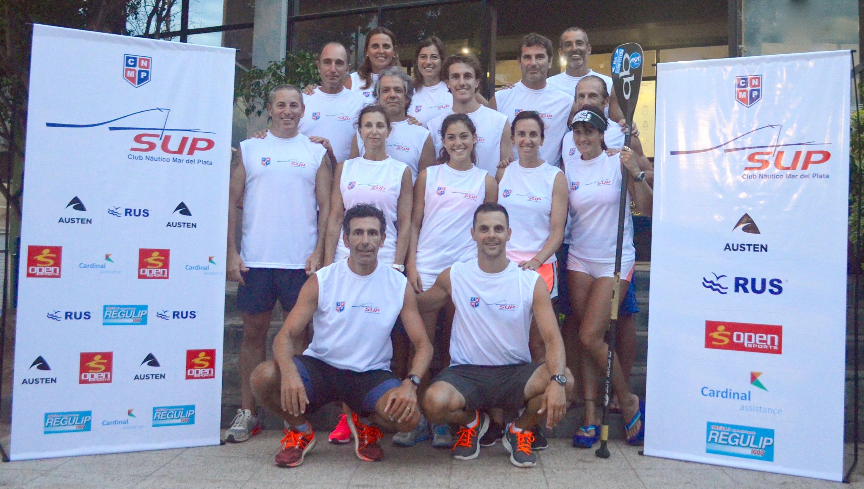 El equipo del Club Náutico que participará en el Campeonato SUP.