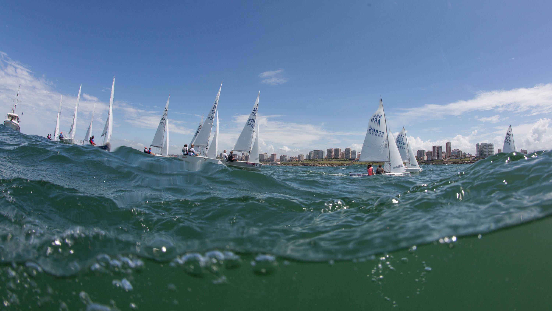 Una panorámica de la competencia desde el agua. (Foto: Matías Capizzano)