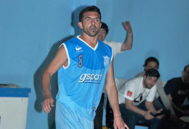 Armando Colpaz luciendo la camiseta de Unión. (Foto: Mar Pla Basquet)