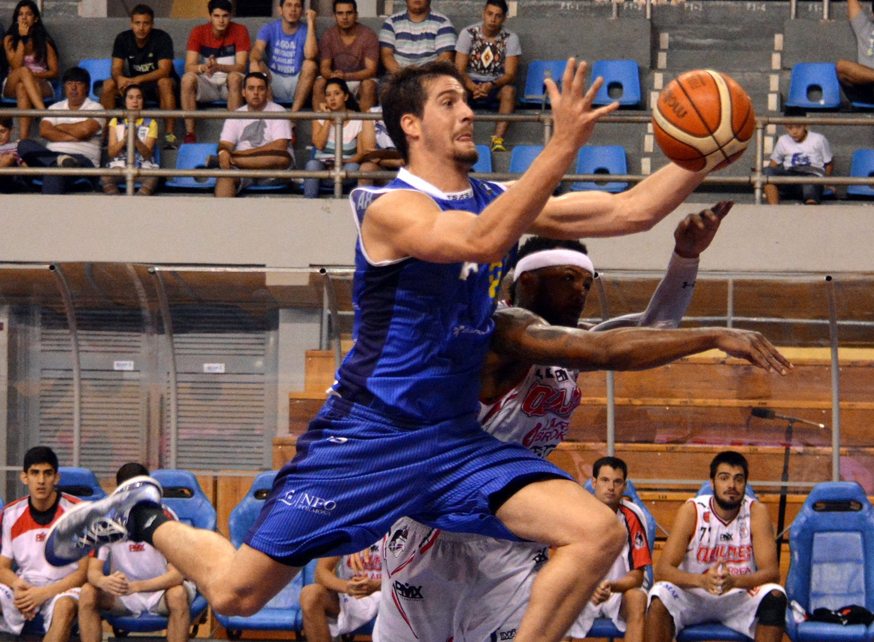 Pablo Orlietti fue una de las figuras con 14 puntos y 10 rebotes. (Foto: Federico Amarilla - LNB.com.ar)