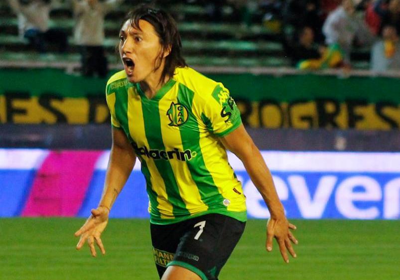 Pablo Lugüercio gritando el gol ante Temperley. (Foto: Sergio Biale)