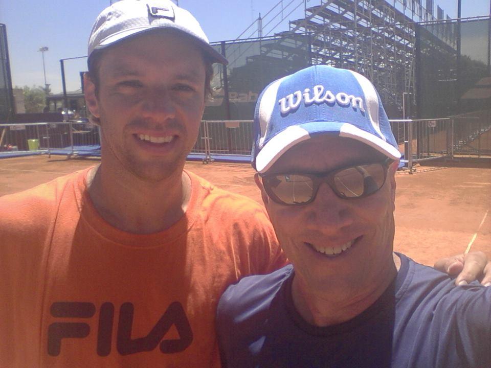 Horacio Zeballos junto a su hijo. (Foto: Facebook)