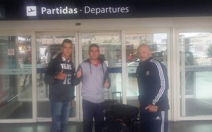 Rubén Acosta antes de viajar con su hijo Armando y Martín Aiello. (Foto: Facebook)