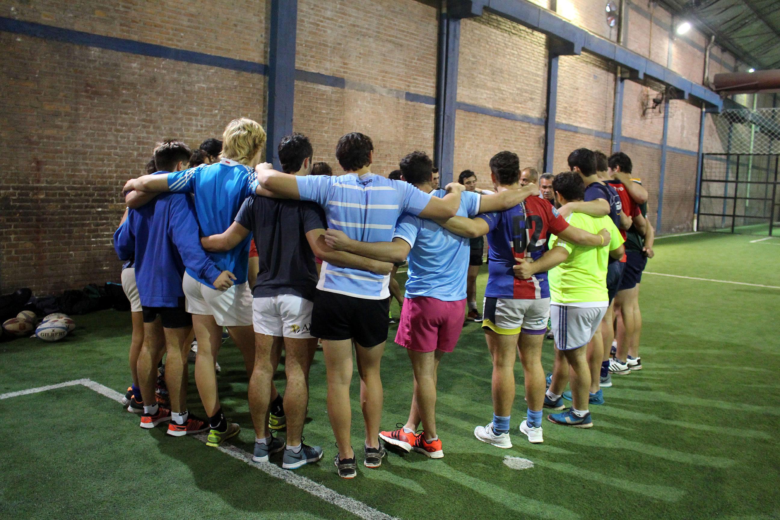El grupo reunidos durante el entrenamiento en Tucumán. (Foto: Prensa URMDP)