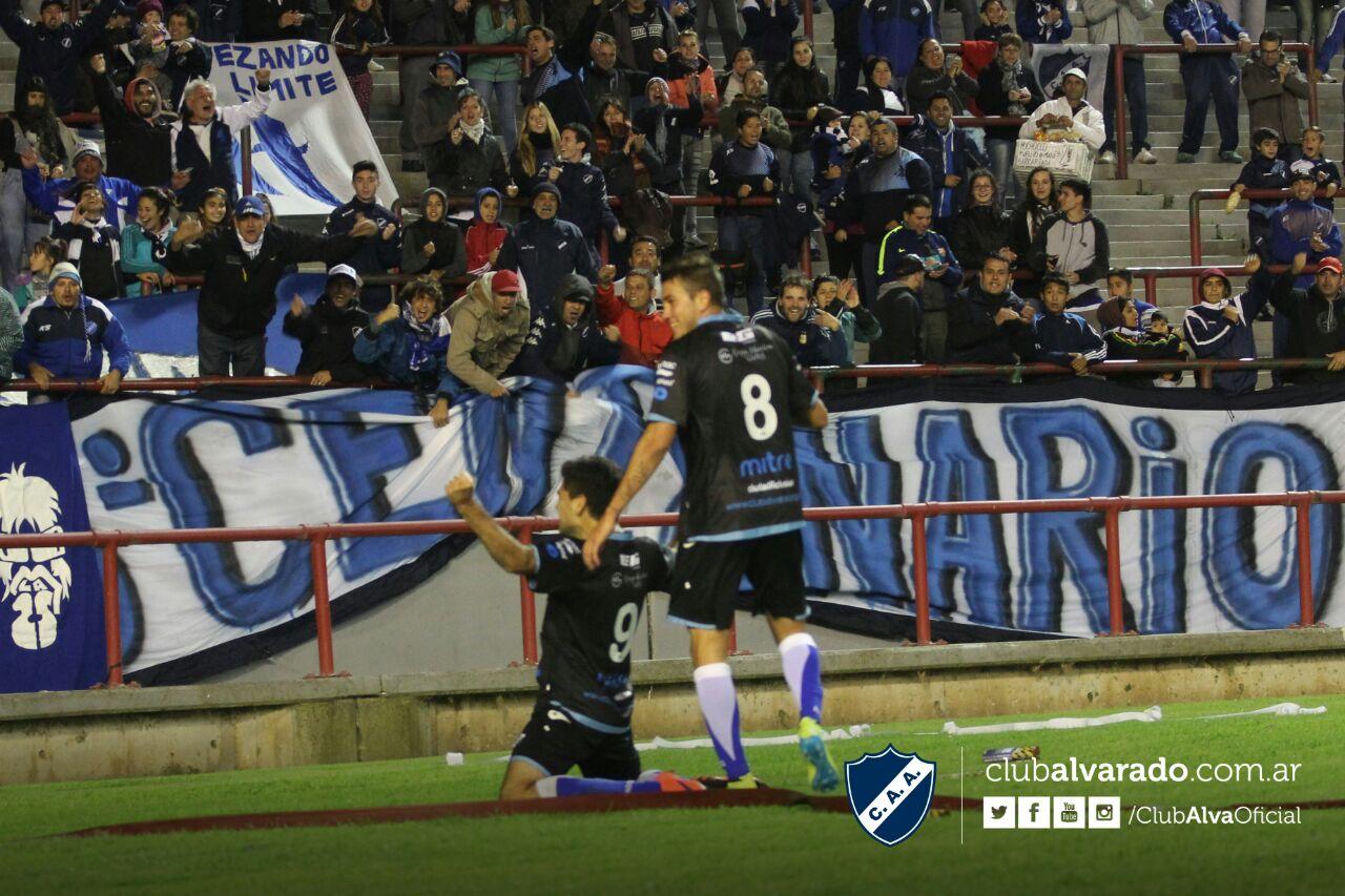 Alexis Blanco, el nombre del gol en la noche del Minella. (Foto: Prensa Alvarado - Florencia Arroyo)