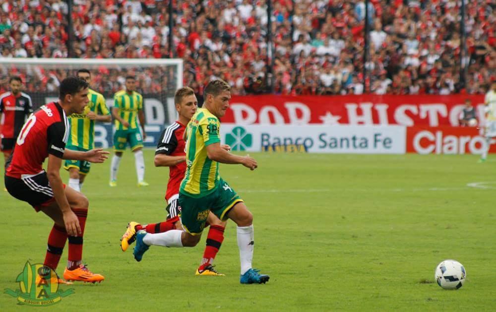 Ismael Quilez gana terreno para ser titular en el mediocampo. (Foto: Sergio Biale)