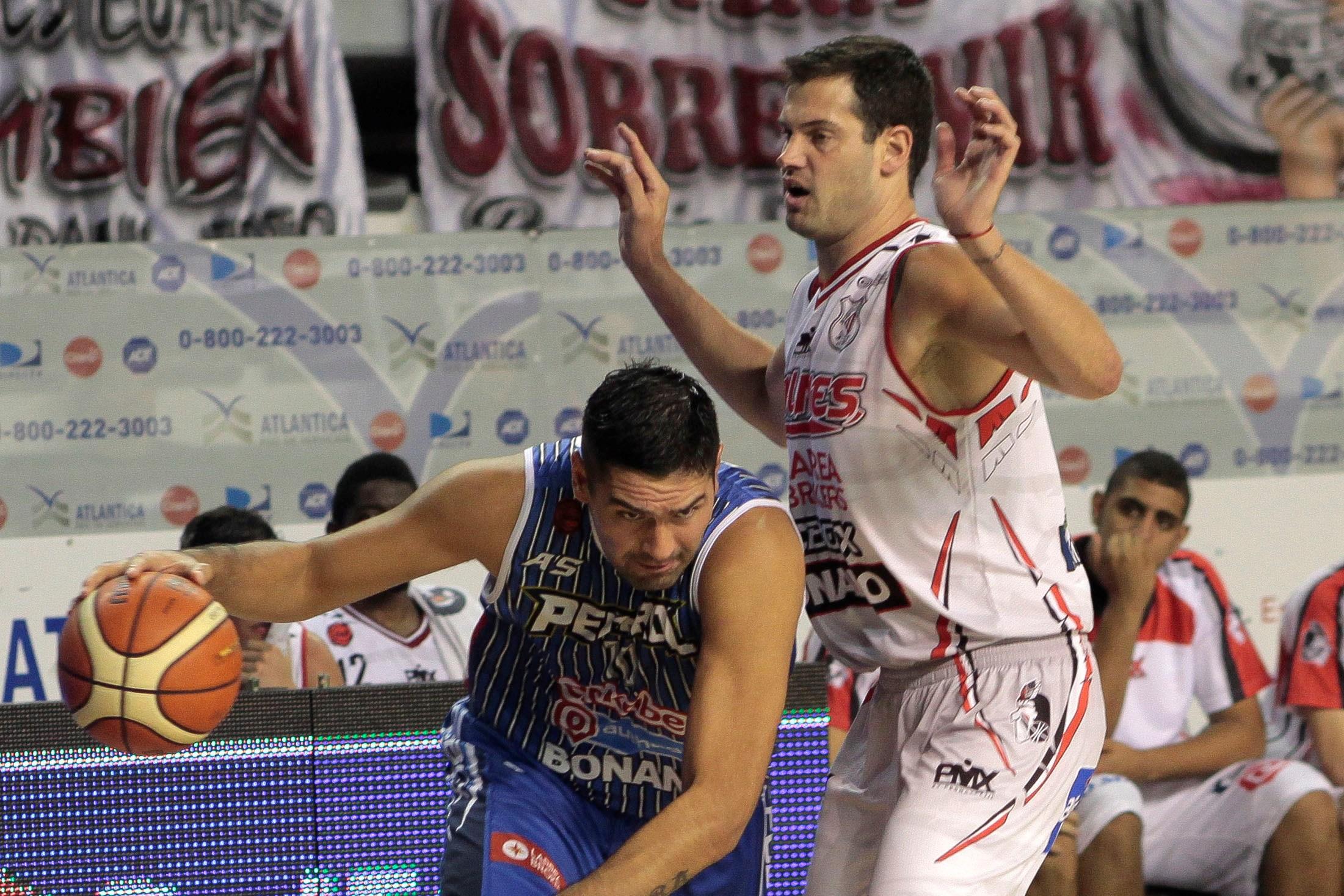 Leonardo Gutiérrez habló luego de la victoria en el clásico. (Foto: Diego Izquierdo - Télam)