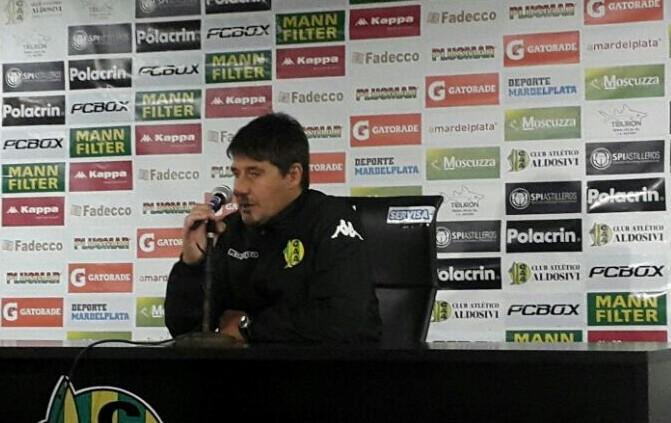 Quiroz en la conferencia de prensa.
