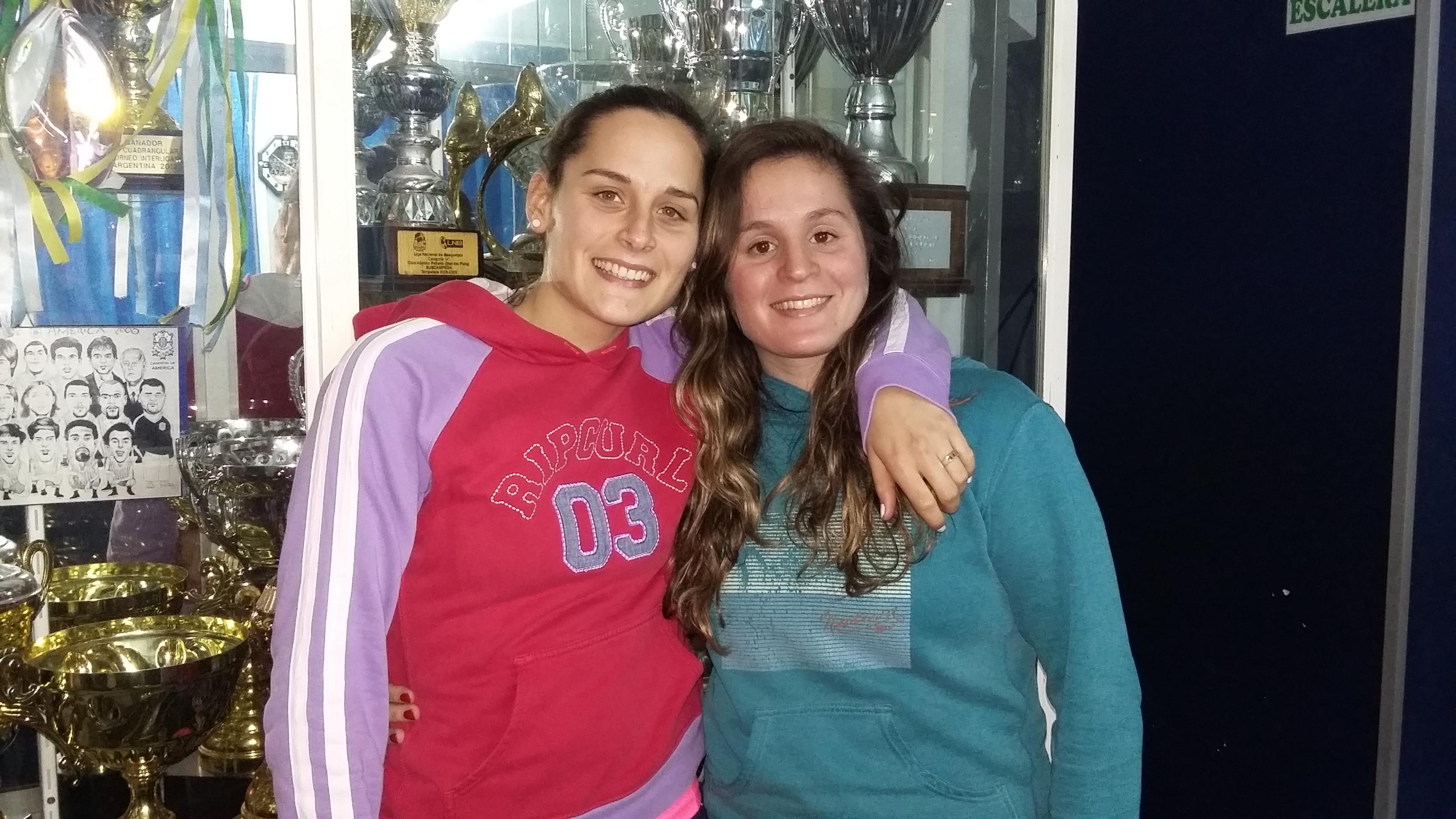 Julieta Arrozeres y Valeria de Cabo, jovenes referentes de Peñarol. (Foto: Prensa Peñarol)