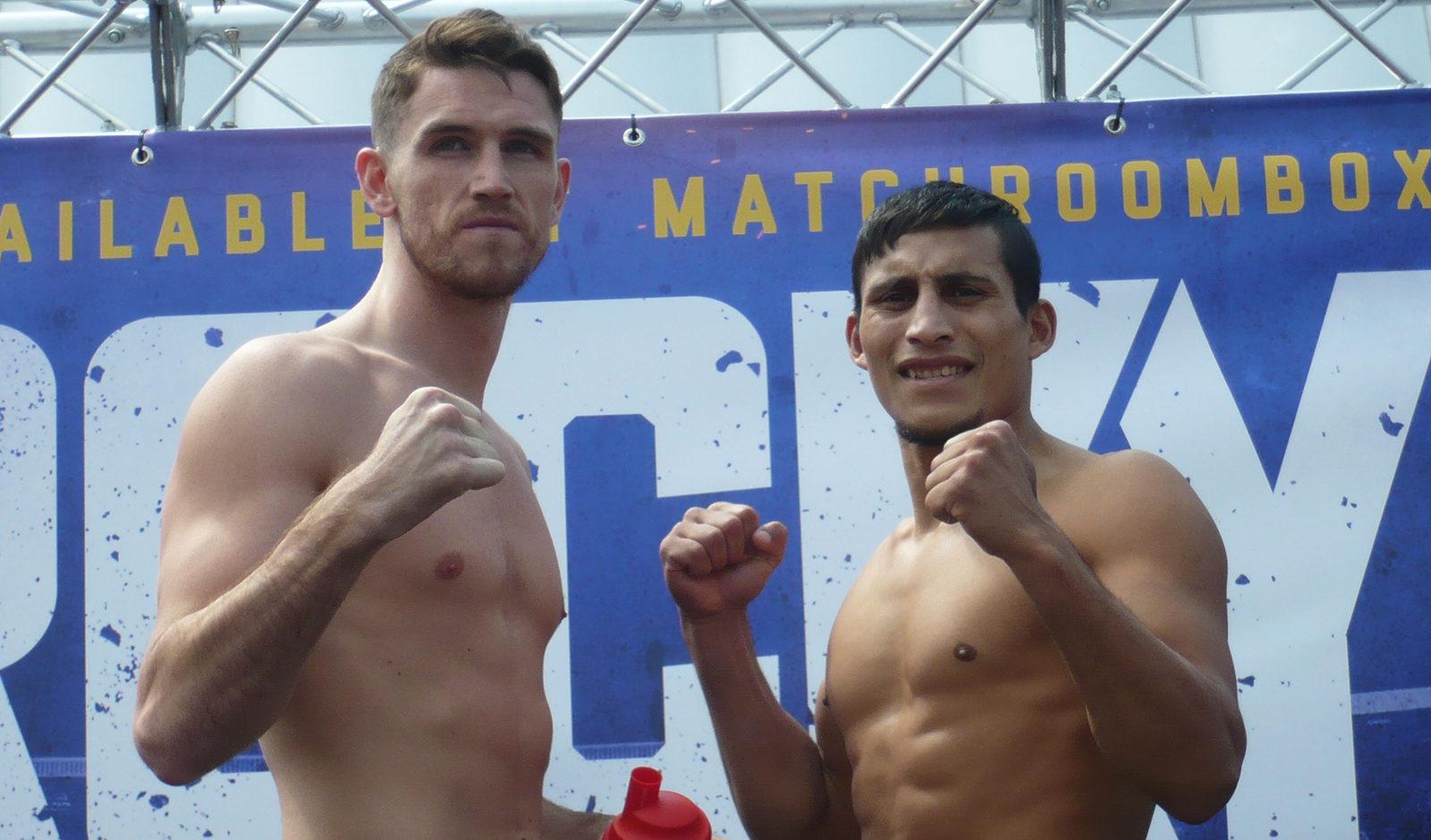 Cesar Reynoso y Callum Smith en el pesaje de hoy.