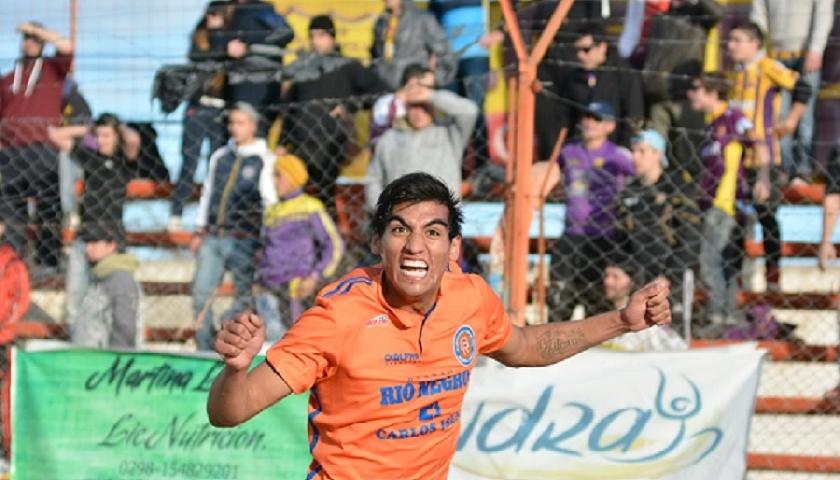 Jonathan Moran con los colores de Deportivo Roca.