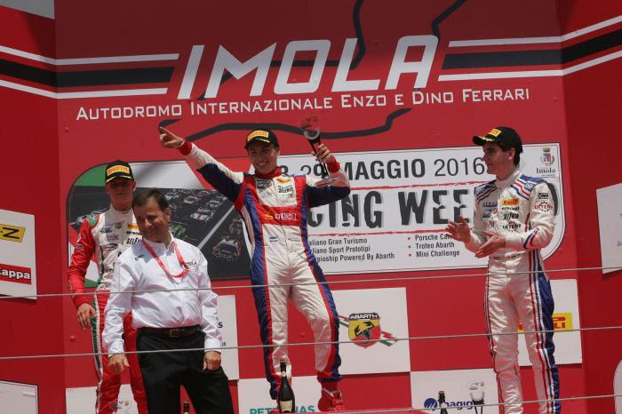 Marcos Siebert en lo más alto del podio de la F4.