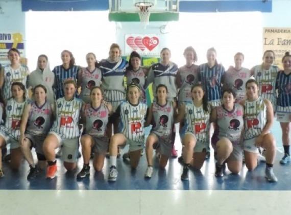El equipo femenino de Peñarol que pasó de ronda.