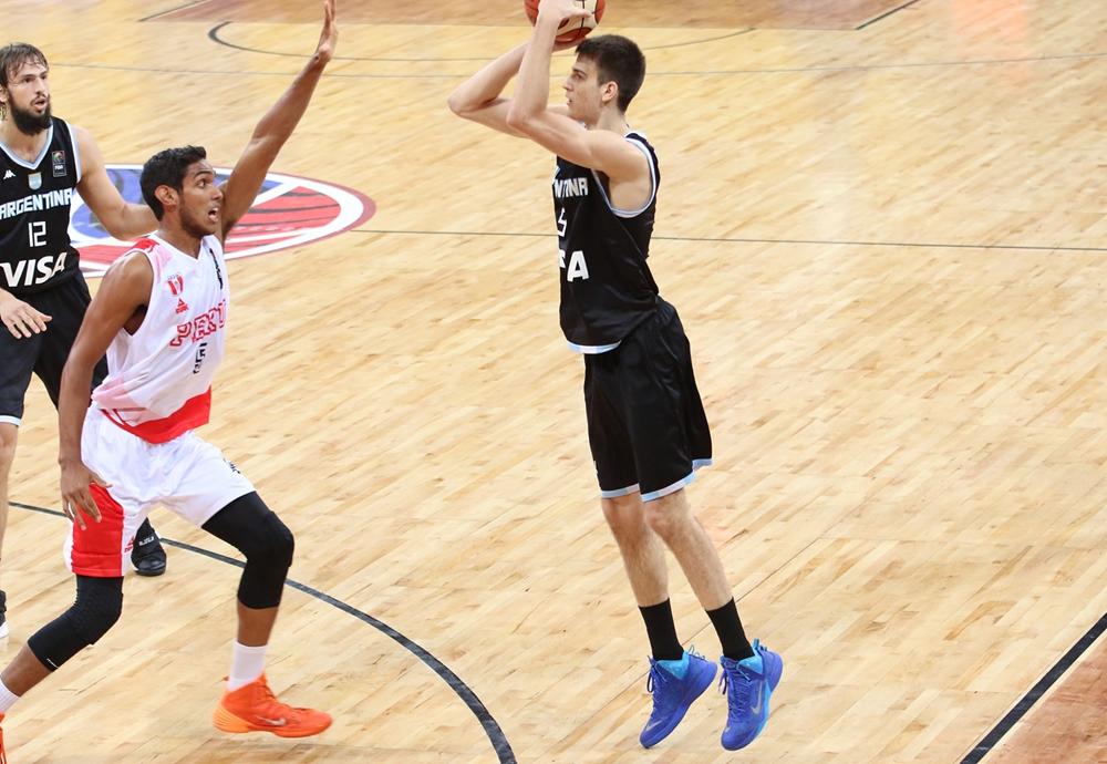 Nicolás Brussino fue titular nuevamente. (Foto: FIBA)