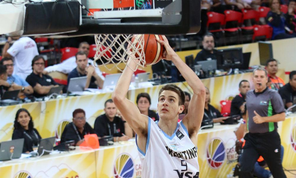 Nicolás Brussino fue la figura en la victoria ante Chile. (Foto: FIBA)