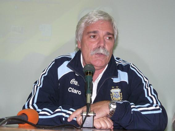 El profesor Gerardo Salorio brindará una charla en la ciudad.