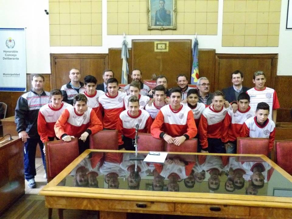 La Selección de Mar del Plata durante un reconocimiento que les realizaron en el Concejo Deliberante.