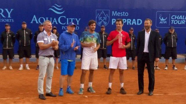 Horacio Zeballos en la premiación de Poprad.