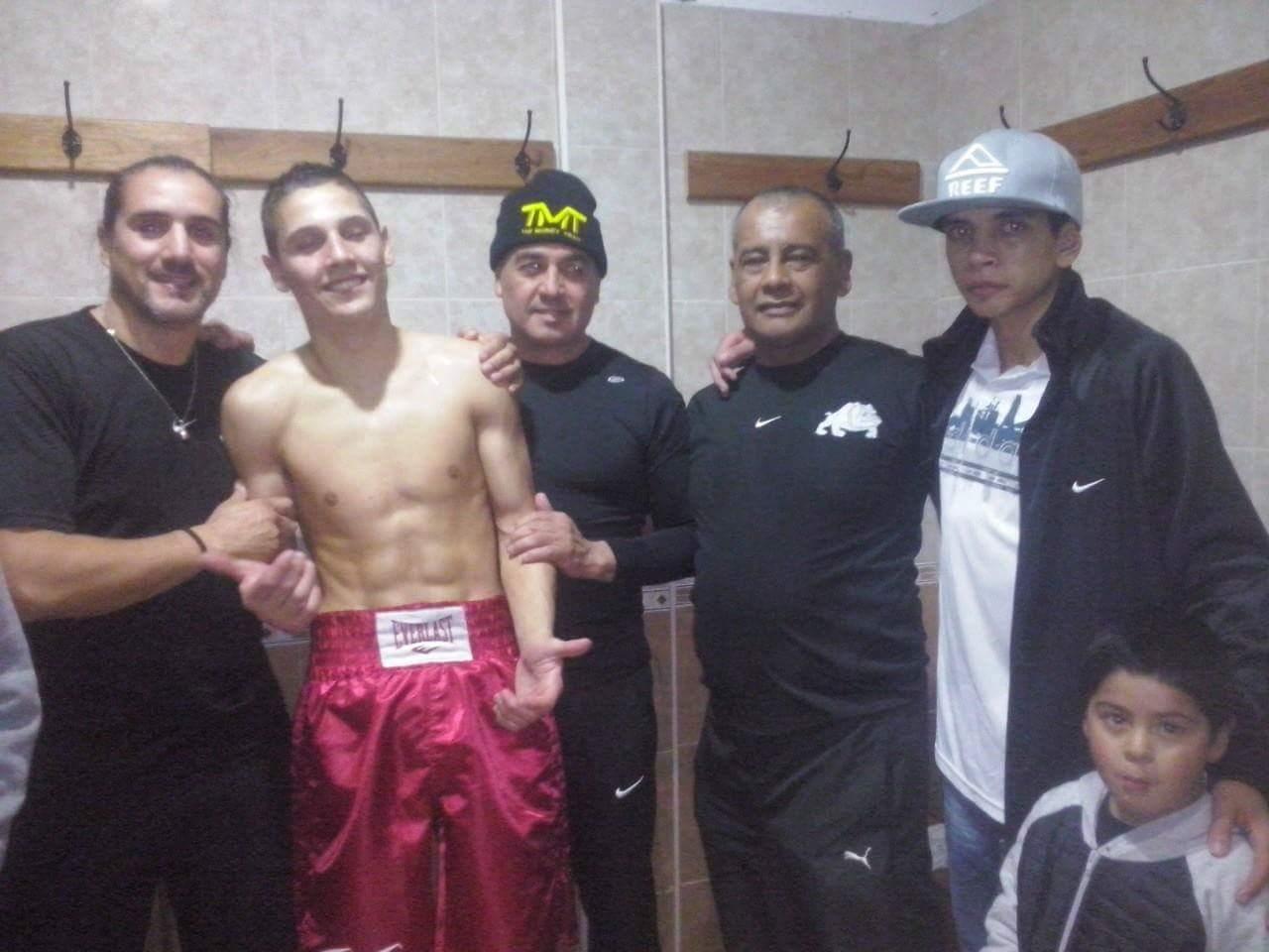Nahuel Aramburu y su equipo. (Foto: Luis Aguilar)